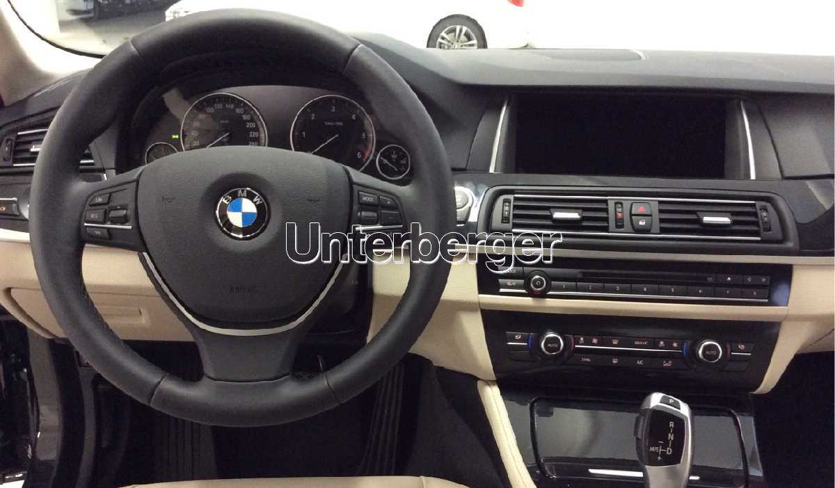 BMW 5er (F10) 520d Business - Bagagliaio posteriore